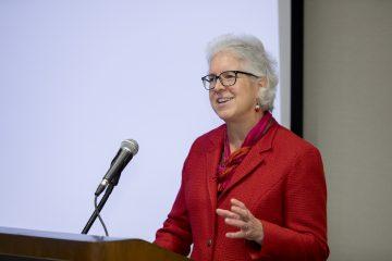 Dean Barbara A. Knuth gives keynote speech.
