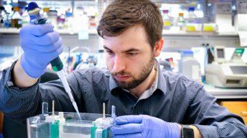 Alan Sulpizio in a lab