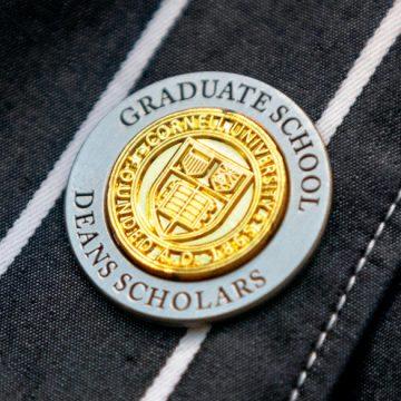 Dean's Scholars pin